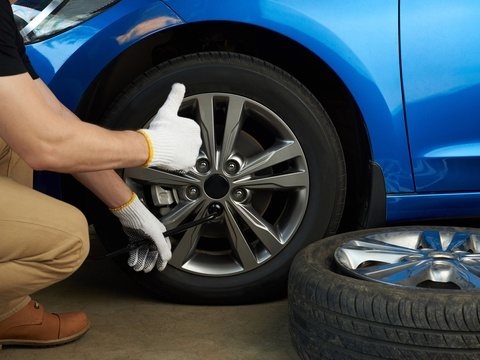 3 Signs Your Tires Needs To Be Replaced.