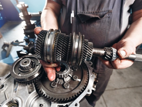 How to tell if your car has transmission problems.